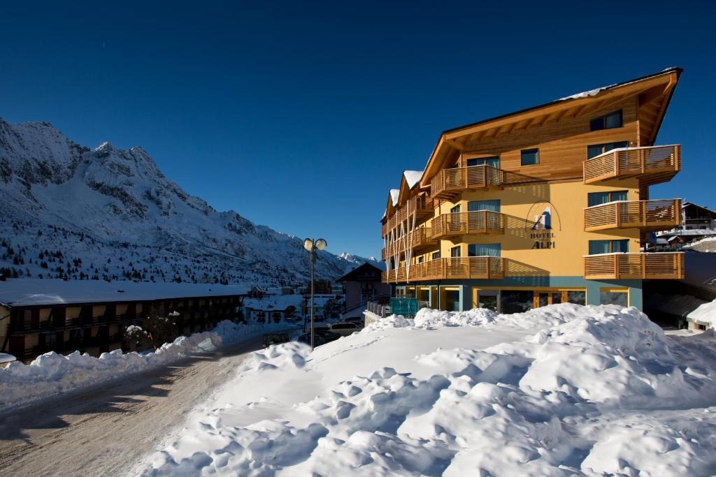 Hotel Delle Alpi að vetri til