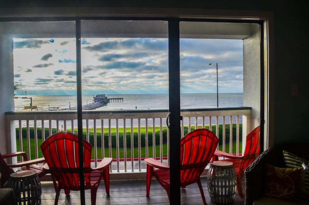 Book now - Beach Open! #201 - Pier Paradise
