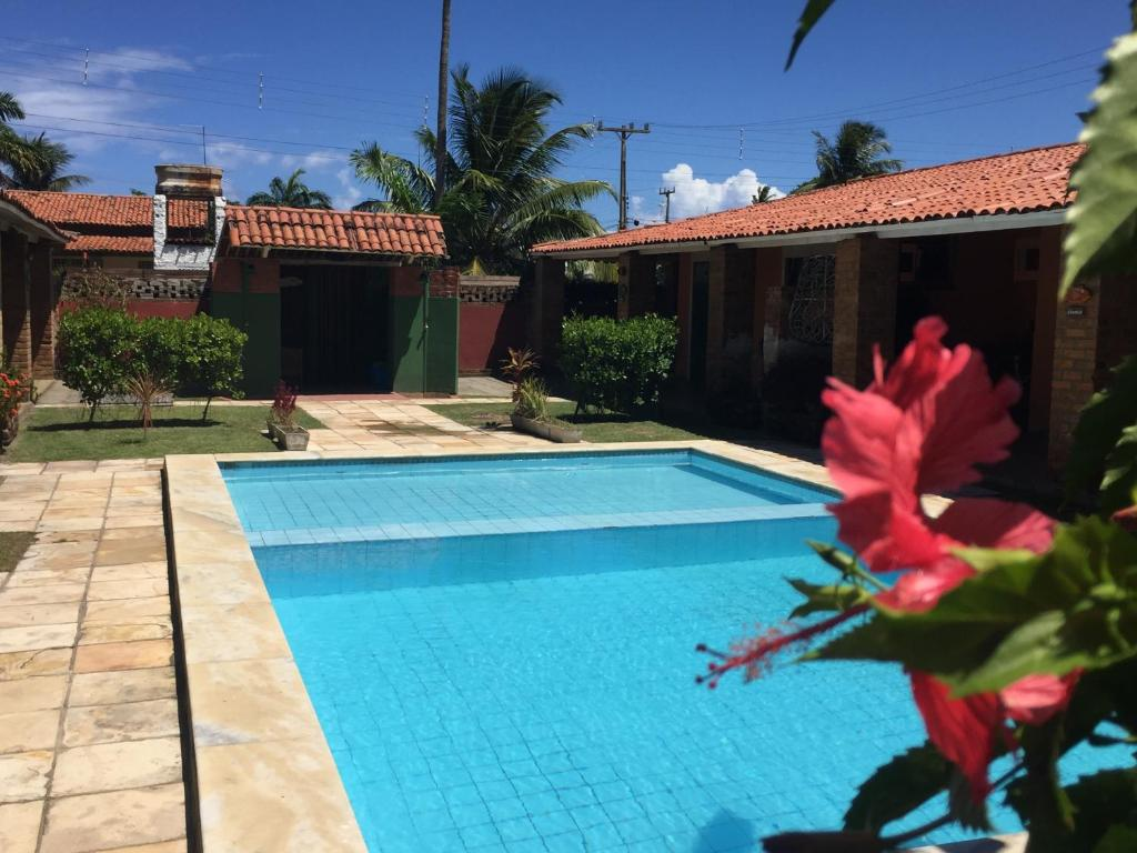 The swimming pool at or close to Eco Vila Bico Verde