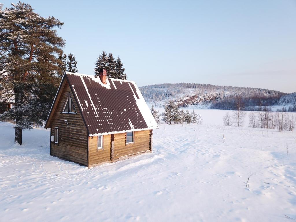 Ладога рядом зимой