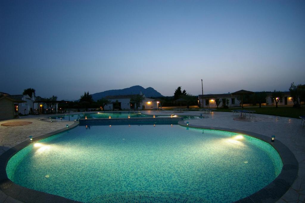 The swimming pool at or close to Santa Maria Resort
