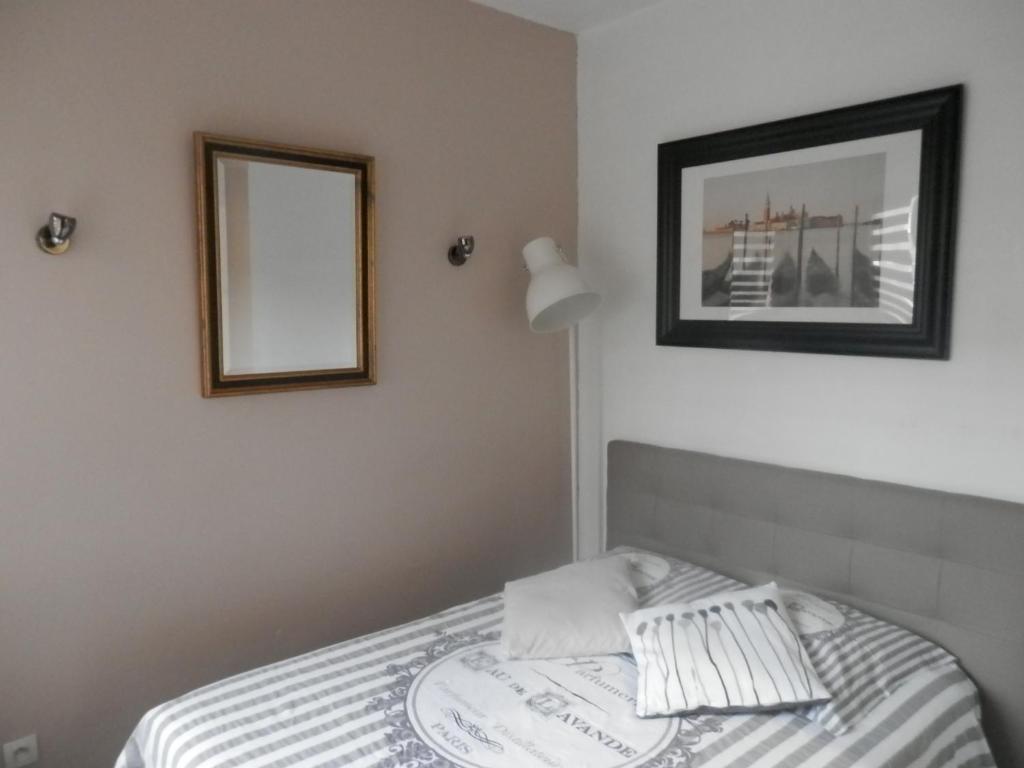 Un ou plusieurs lits dans un hébergement de l'établissement Résidence Amiens hyper Centre