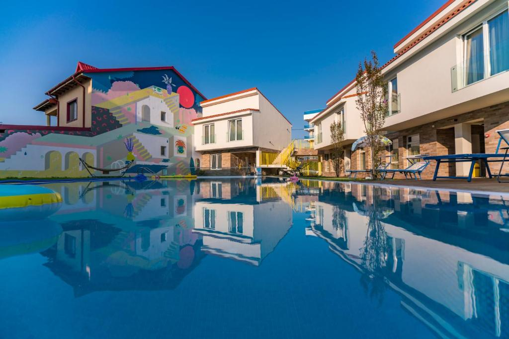 The swimming pool at or close to Nayino Resort Hotel