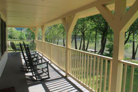 A balcony or terrace at Lake Landing Cabin #53677