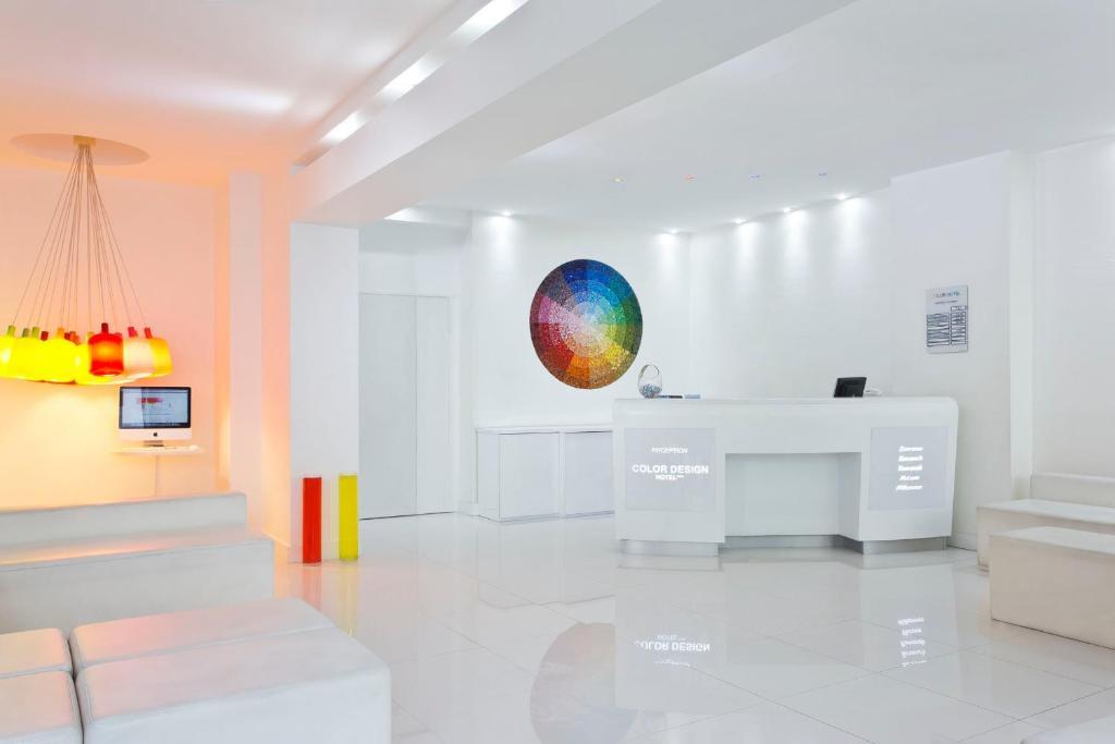 A bathroom at Color Design Hotel