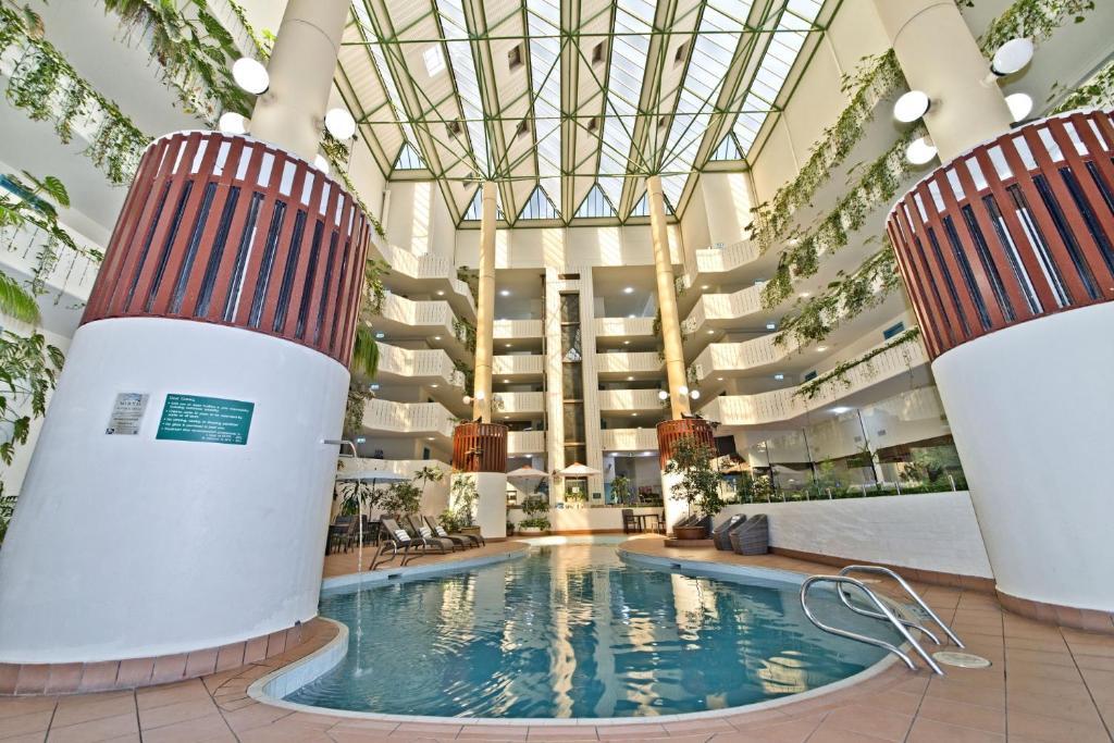 The swimming pool at or near Atrium Hotel Mandurah