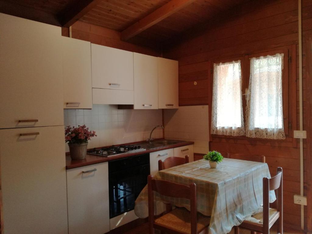 A kitchen or kitchenette at Campeggio Italia