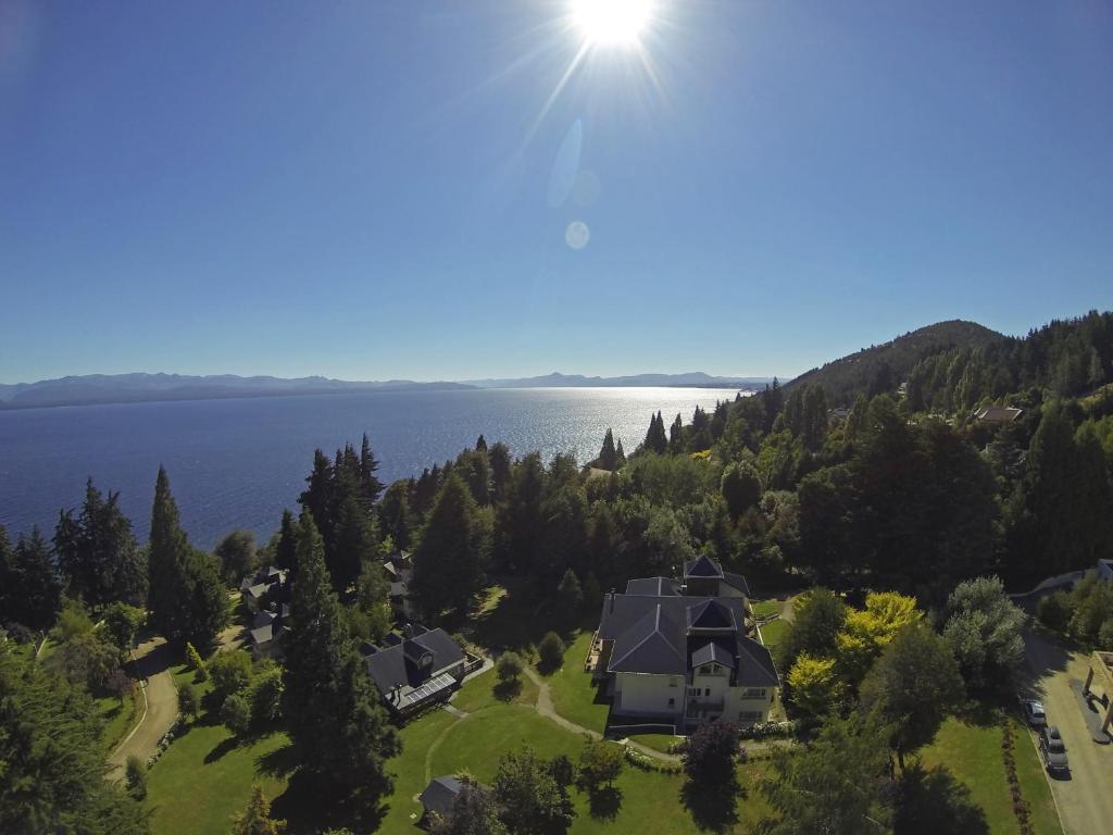 Una vista aérea de Huinid Cabañas Bustillo