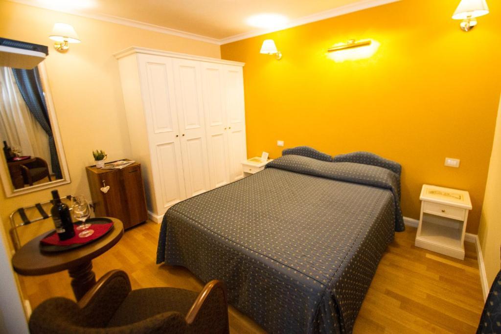 Cama o camas de una habitación en Flann O'Brien Rooms