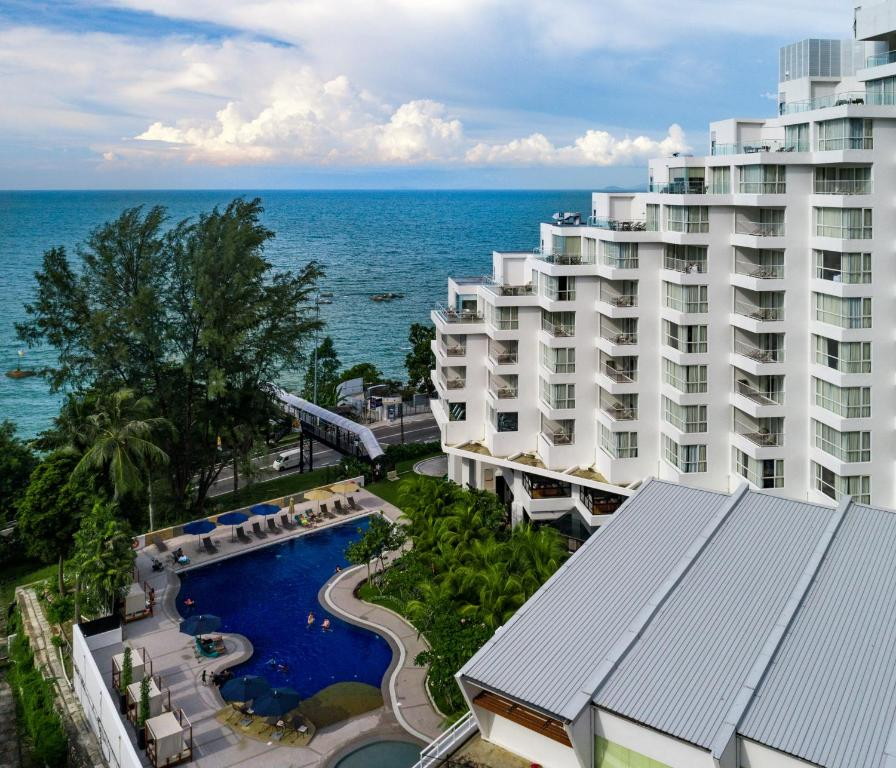A view of the pool at DoubleTree Resort by Hilton Hotel Penang or nearby
