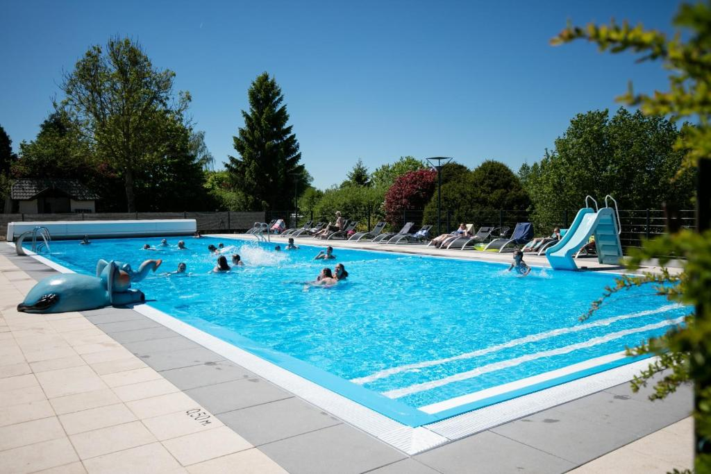The swimming pool at or close to Camping Hohenbusch