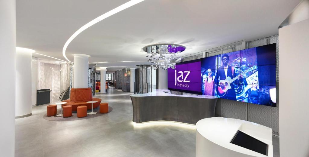 The lobby or reception area at Jaz in the City Stuttgart