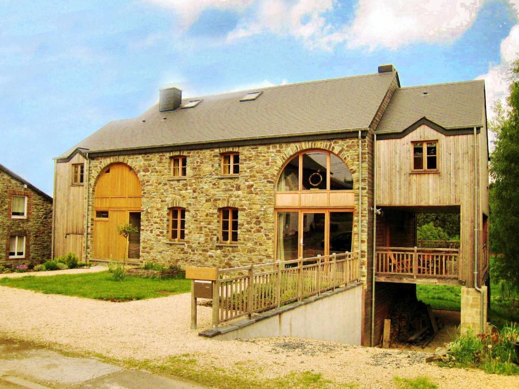 Heritage Holiday Home in Sart with Sauna and Jacuzzi