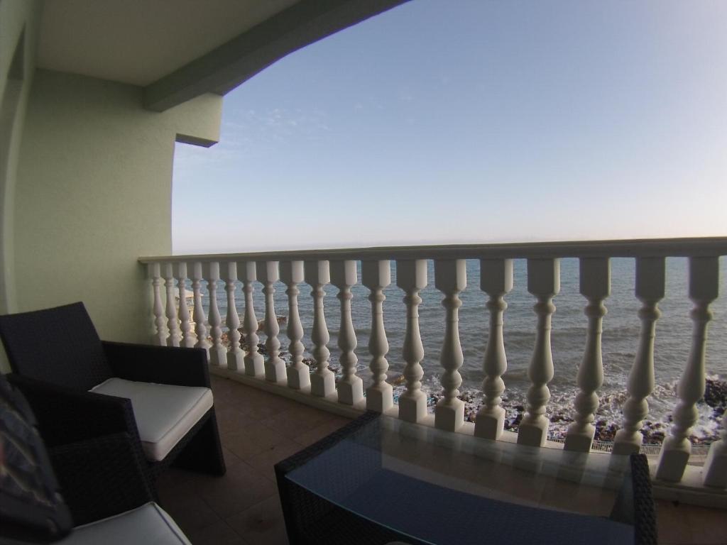 Апартаменты у моря крым купить дом в черногории у моря недорого