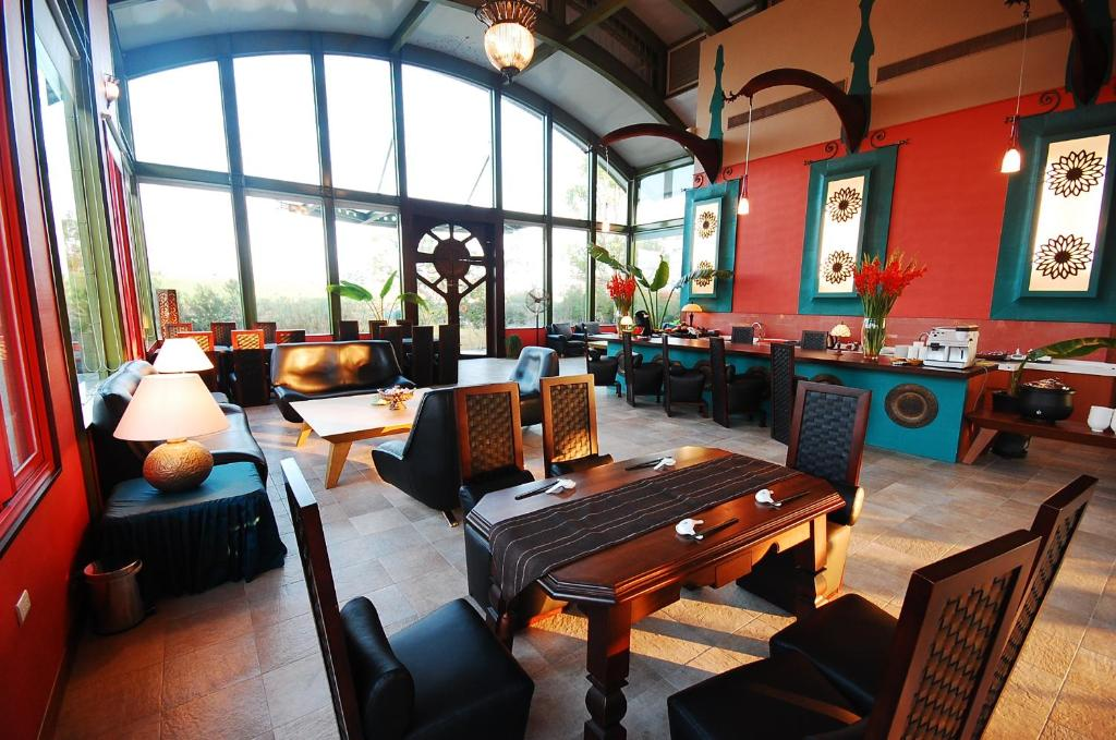 A restaurant or other place to eat at March 3 B&B Yilan