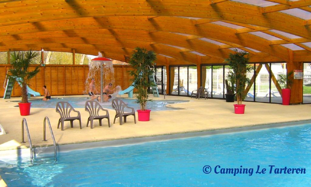 The swimming pool at or near Camping Le Tarteron