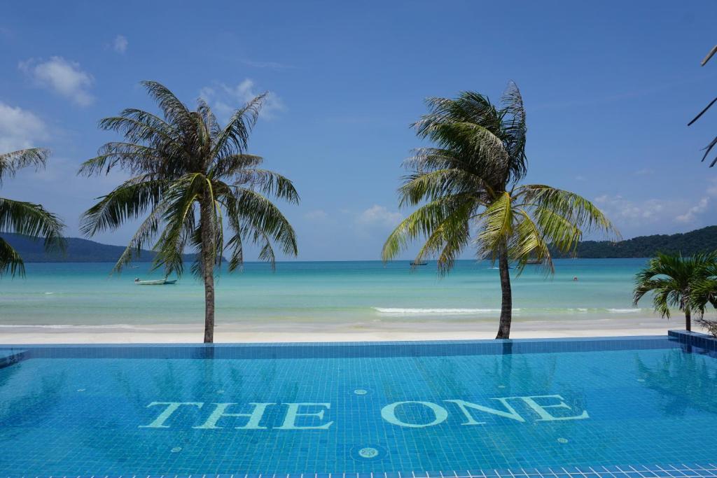 Het zwembad bij of vlak bij The One Resort