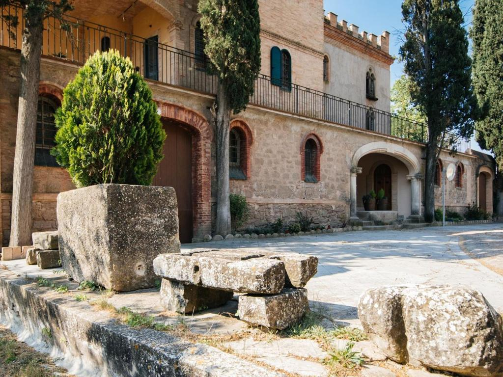 Cozy Cottage in Castellnou de Bages with Forest Nearby