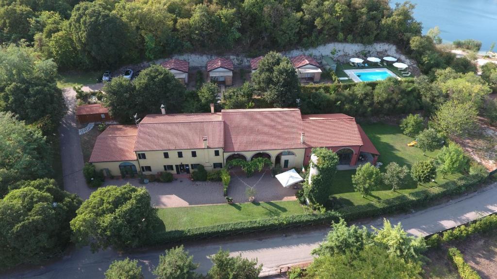 Een luchtfoto van Agriturismo Alba