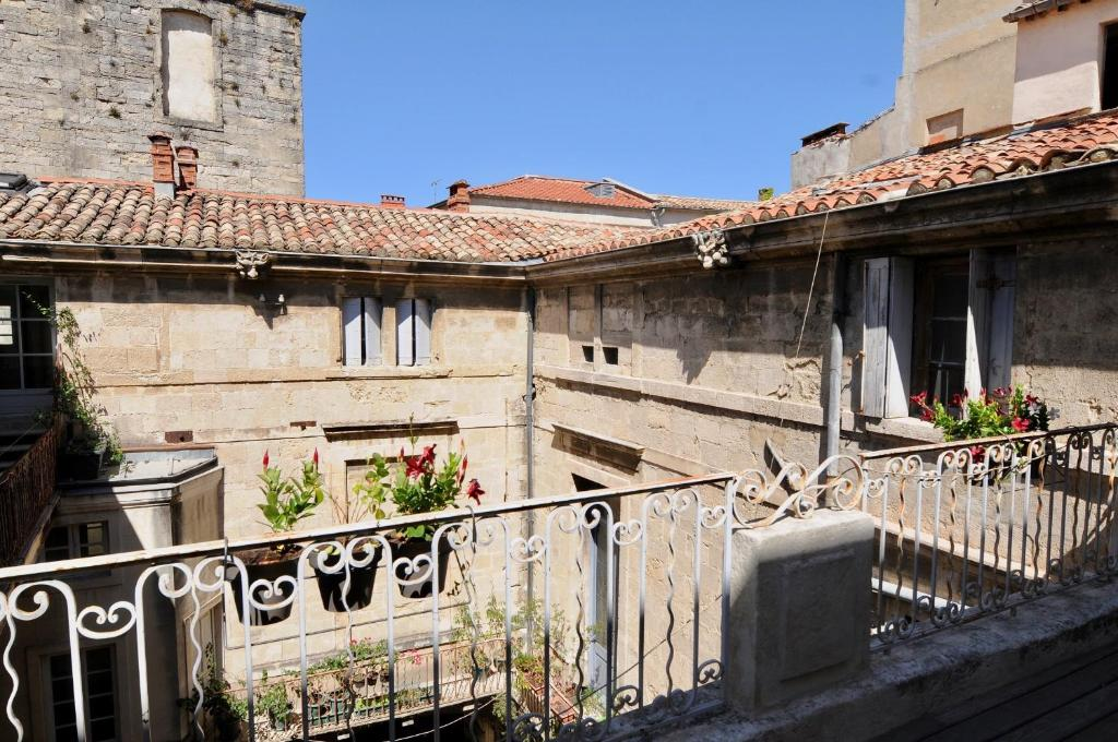 A balcony or terrace at Appartements de l'Hotel de Girard
