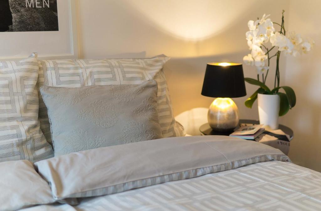 Ein Bett oder Betten in einem Zimmer der Unterkunft Hornbacher Vogelhaus