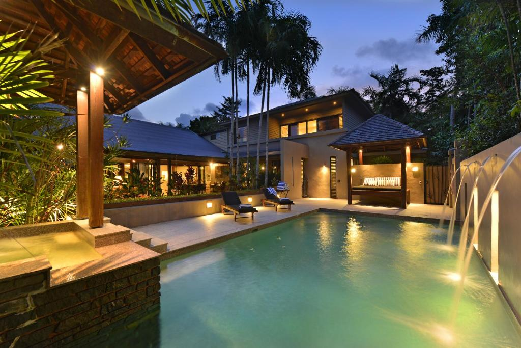 The swimming pool at or near Meryula - Luxury Holiday Home