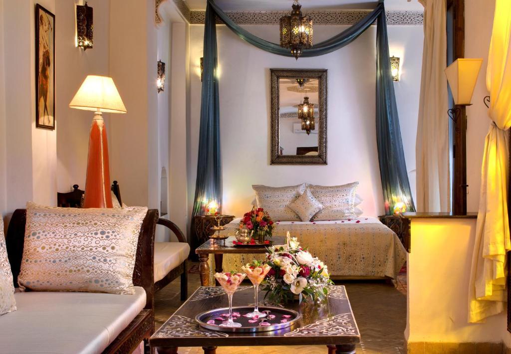 Ein Sitzbereich in der Unterkunft Angsana Riads Collection