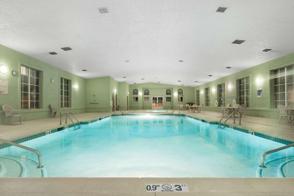 The swimming pool at or near Ramada by Wyndham Williams/Grand Canyon Area