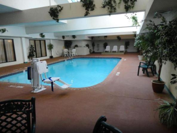 The swimming pool at or near Hampton Inn Jefferson City at Capital Mall