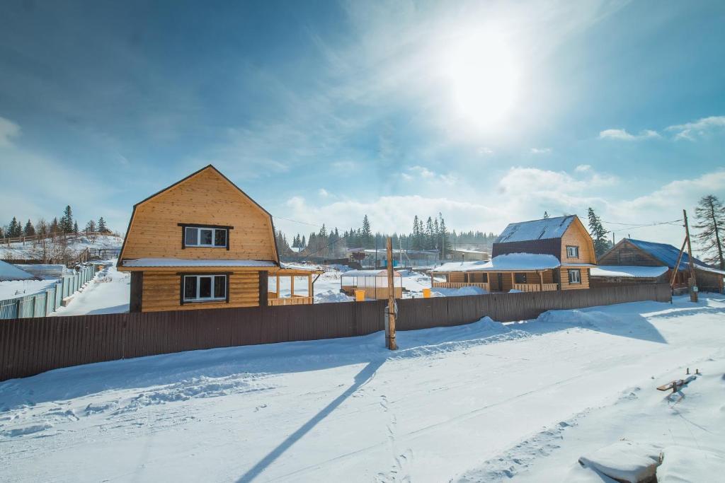Аренда дома на озере Зюраткуль зимой