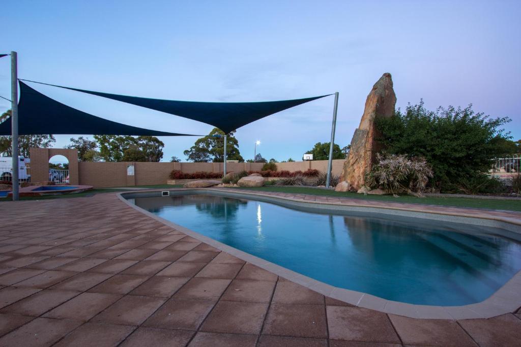 The swimming pool at or near Wimmera Lakes Caravan Resort