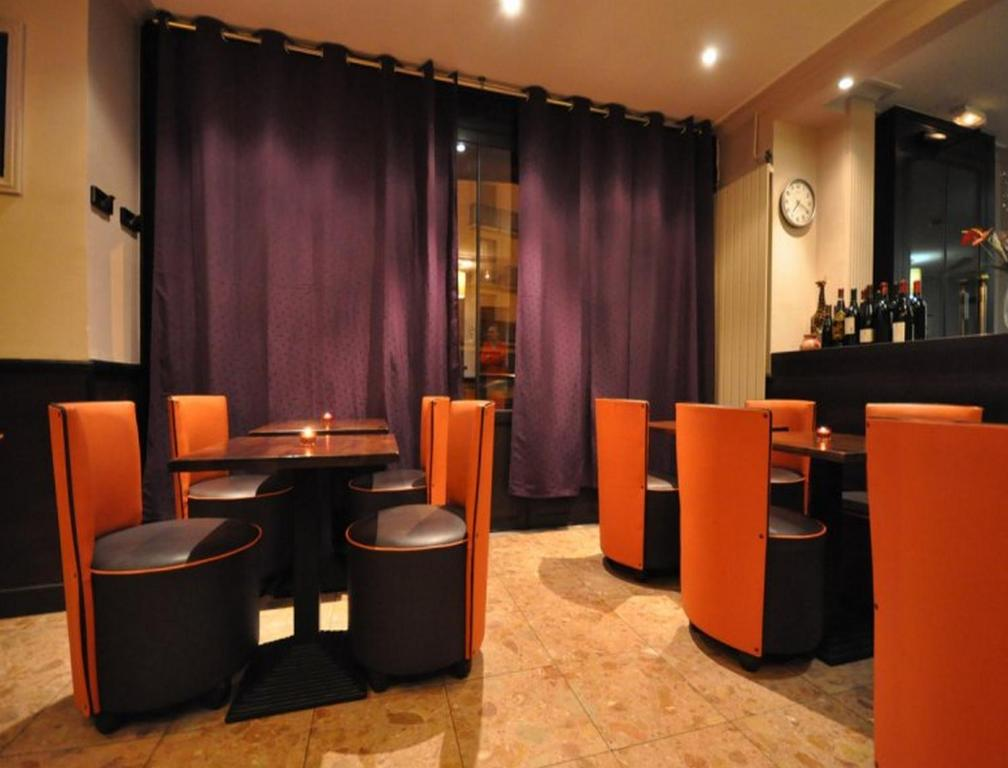 The lounge or bar area at Hotel de l'Europe