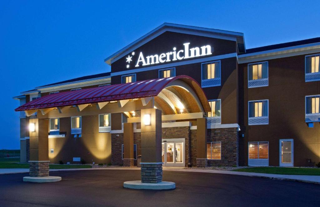 AmericInn by Wyndham Hartford SD