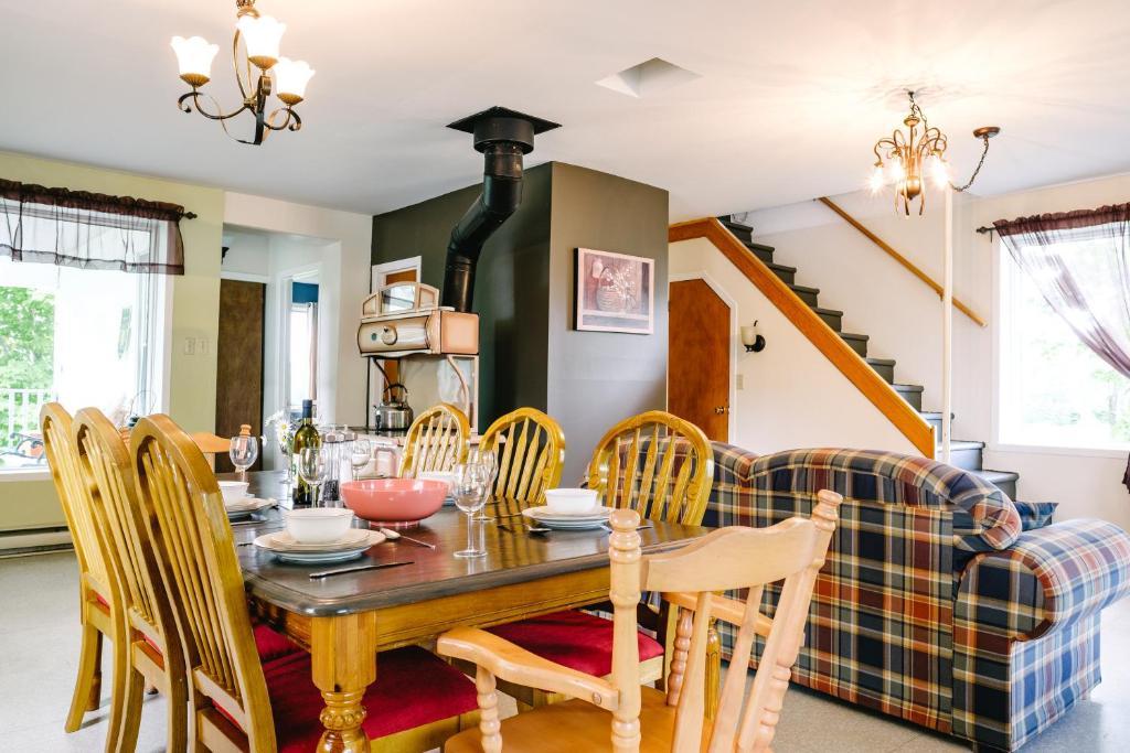 Maison De Vacances Gite Maison Familiale Canada Saint Raymond Booking Com