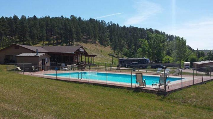 The swimming pool at or near Elk Creek Resort