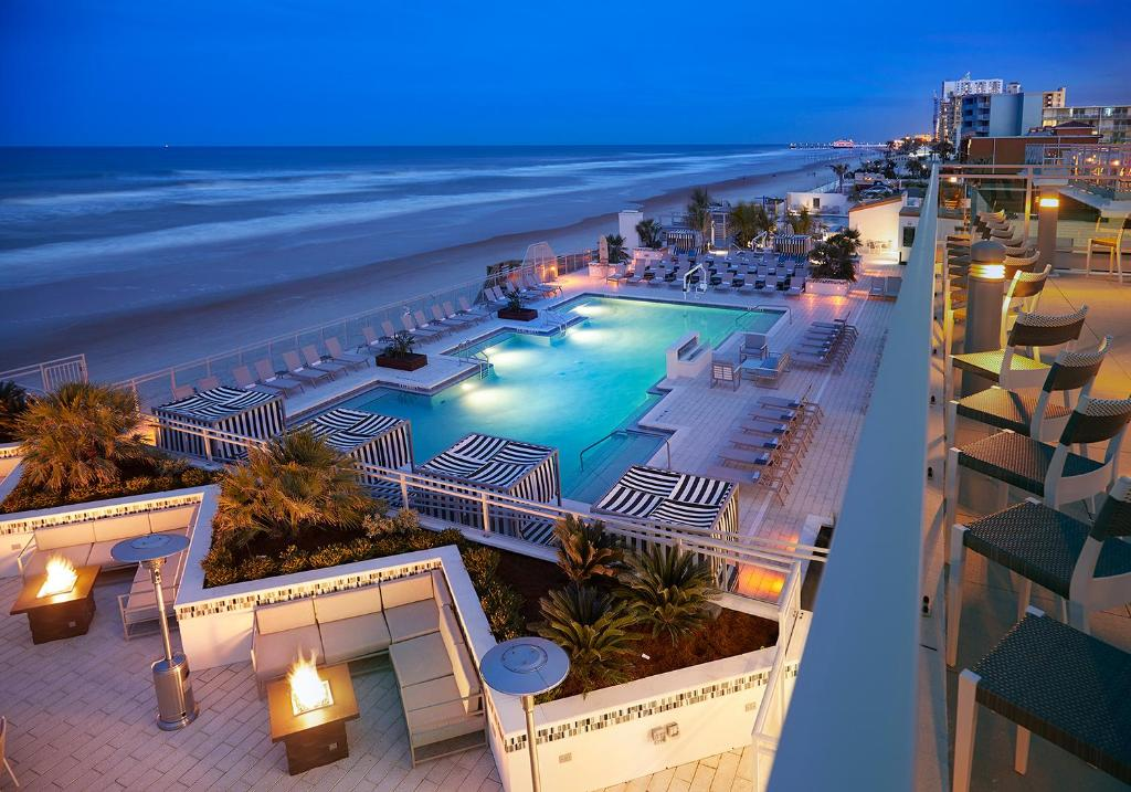A view of the pool at Hard Rock Hotel Daytona Beach or nearby