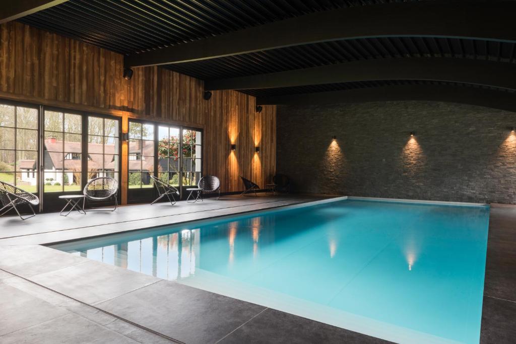 凱撒的松樹- 埃特勒特運動酒店游泳池或附近泳池