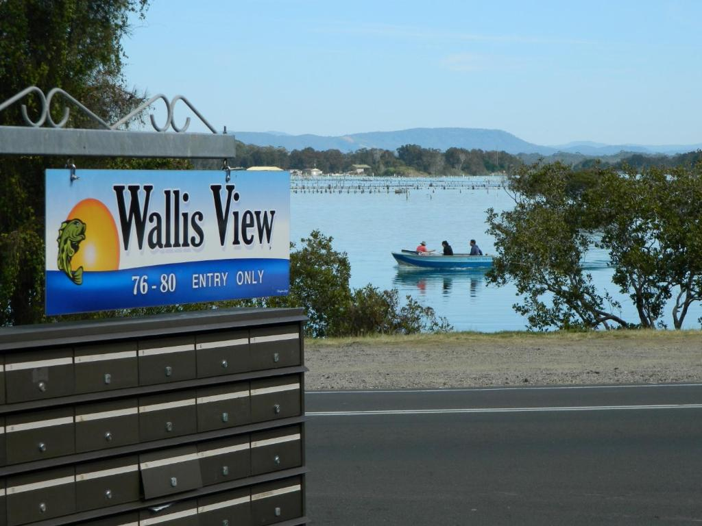 26 Wallis View - Opposite the Lake - 3 Bedroom Apartment - Sleeps 8