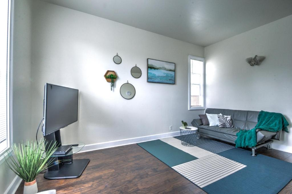 Cozy 2 bdr Apt at heart of Capitol Hill - Apt A