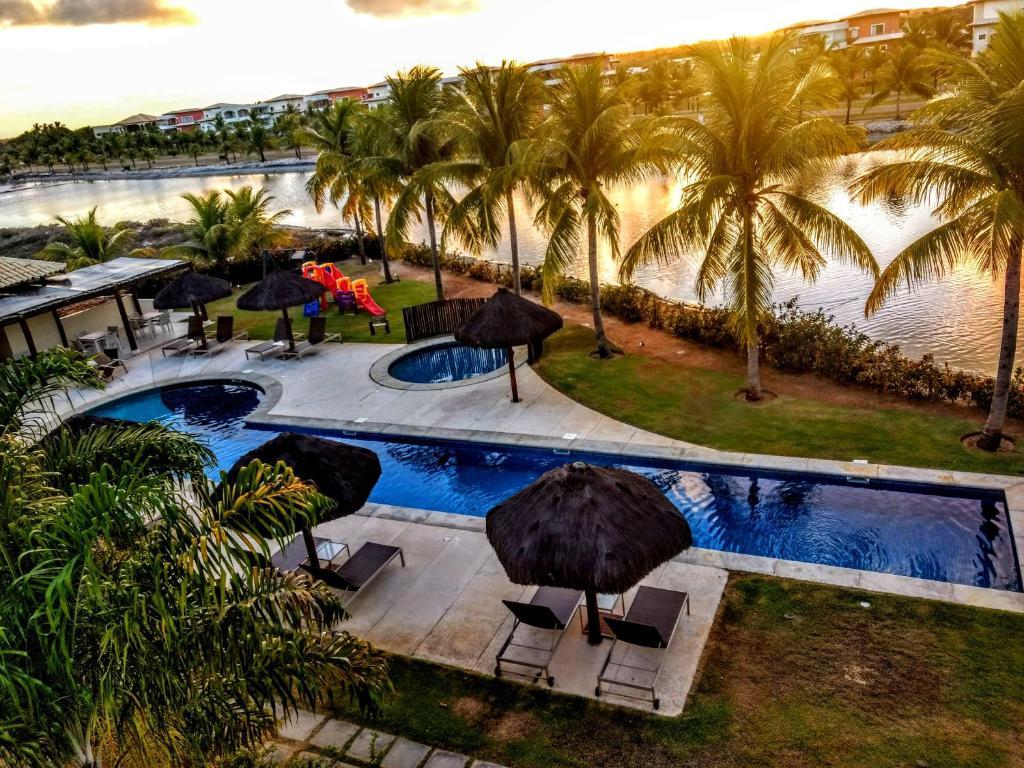 A view of the pool at Apartamento Alto Padrão 2 quartos Iberostate Praia do Forte or nearby