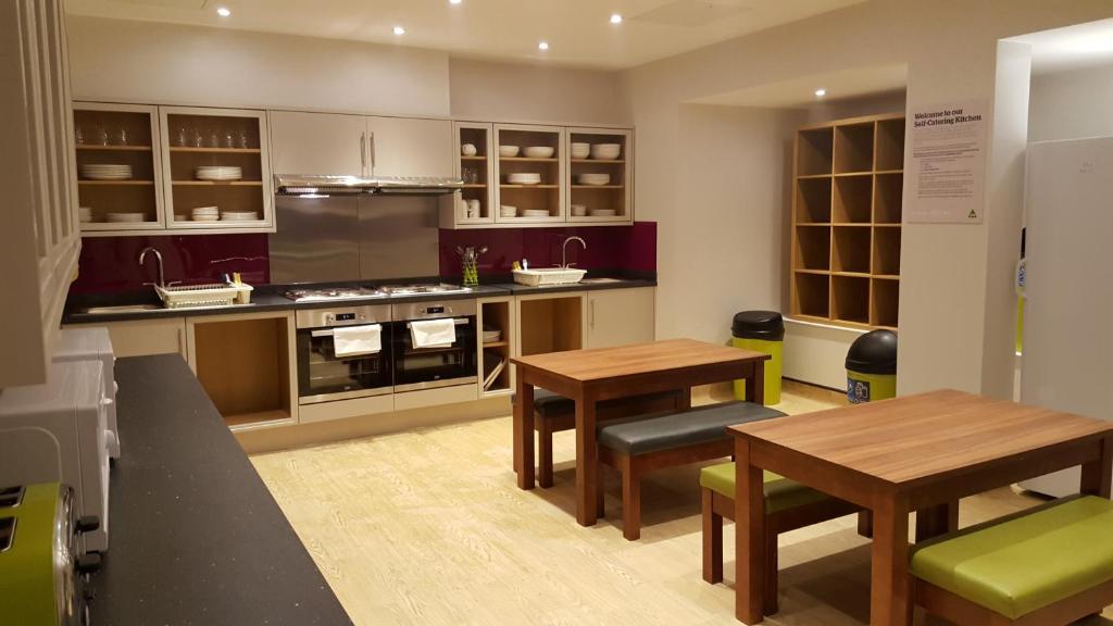 Best Hostels in Kensington and Chelsea