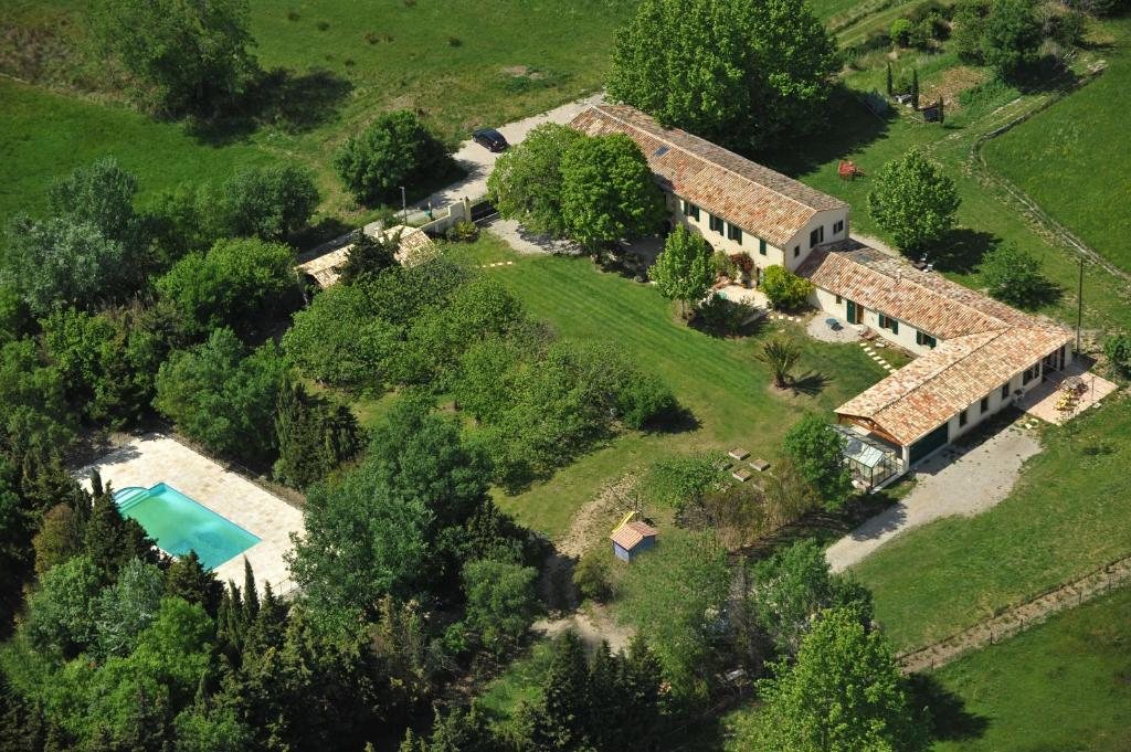 A bird's-eye view of Chambres d'Hotes Domaine des Machottes