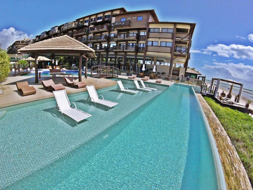 The swimming pool at or close to Apartamento Barra Bali