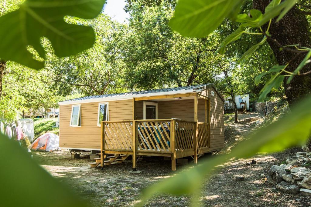 Camping les Chenes Chauzon, France