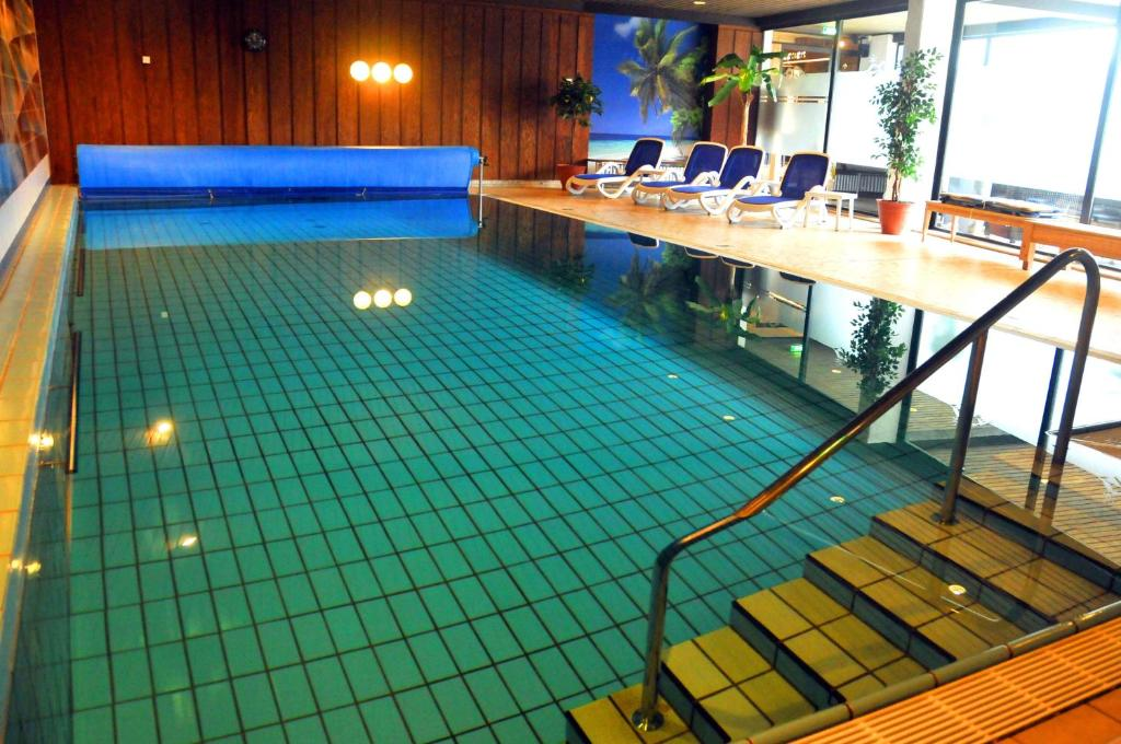 The swimming pool at or close to Hotel Niedersfeld-Winterberg