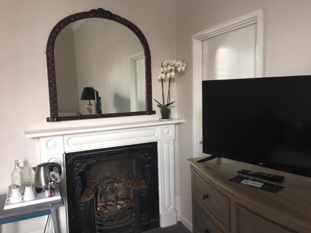 A television and/or entertainment center at horn and trumpet