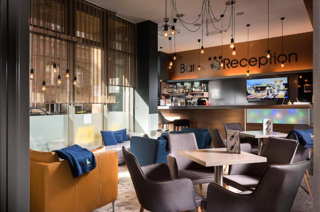 The lounge or bar area at Bo18 Hotel Superior