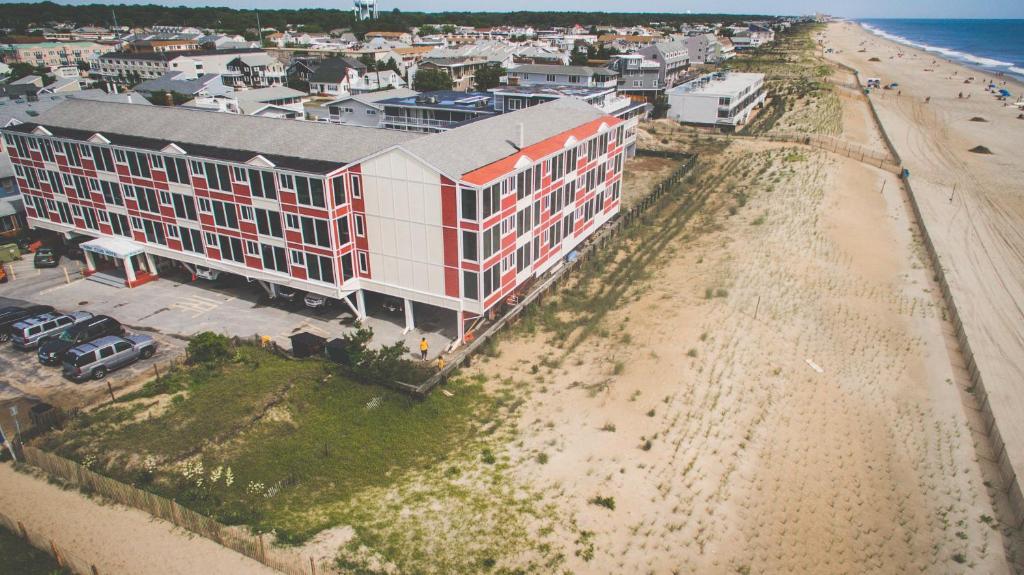 Surf Club Oceanfront Hotel