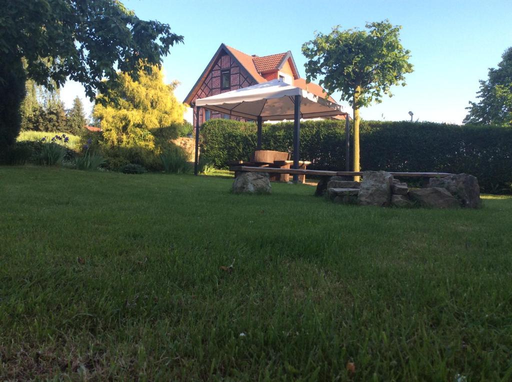 Ferienwohnung am Reinhardswald -Buchenzweig-