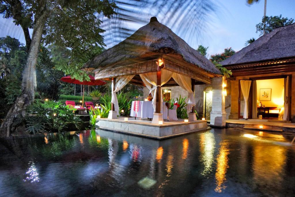 The swimming pool at or near Arma Museum & Resort